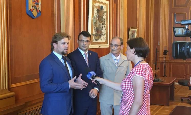 Deputatul USR Daniel Popescu i-a solicitat doamnei ministru al afacerilor interne clarificarea mai multor aspecte operative în legătură cu intervenția forțelor de ordine din timpul protestelor din 10 august de la București