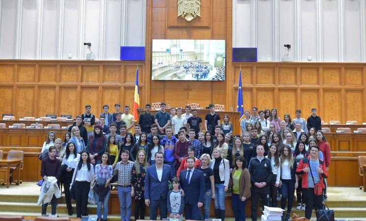 ELSA Galați - în vizită instituțională la Parlament