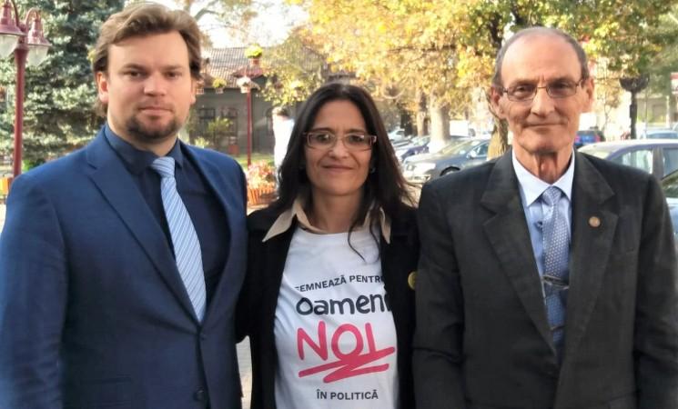 Împreună pentru #oameninoi: deputatul Daniel Popescu a strâns semnături la Găești, Dâmbovița, alături de deputatul Dumitru Lupescu