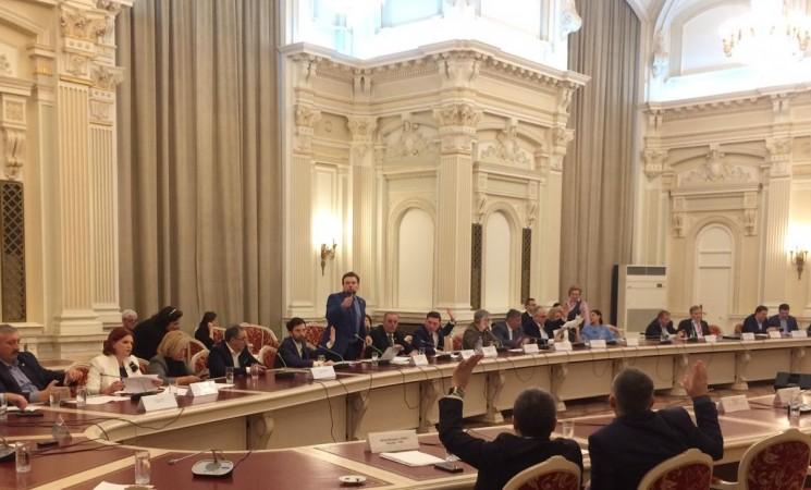 Deputatul USR Daniel Popescu susține o serie de amendamente la proiectul Legii Bugetului de Stat pentru anul 2019 în urma consultărilor cu românii din străinătate, dar și cu reprezentanți ai unor asociații și cu mai multe autorități  publice locale din județul Suceava