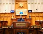 Deputatul sucevean USR Daniel Popescu a solicitat Ministerului Afacerilor Interne date cu privire la numărul de copii români născuți în afara țării în perioada 2007-2018