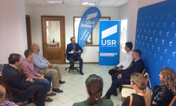 Deputatul USR Daniel Popescu a deschis porțile unui nou birou parlamentar la Chișinău
