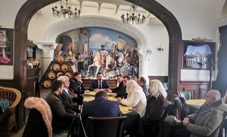 Solicit Guvernului României o politică fermă pentru sprijinul românilor din nordul Bucovinei!